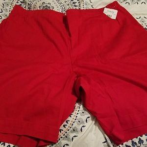 NWT Red Bermuda Shorts 2X 18/20 Women JMS